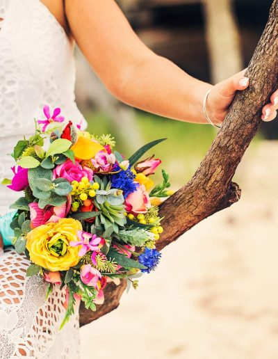 Bright Beach faux flower wedding bouquet –  image by Bernadette Draffin Photography #bloominglovelybouquets