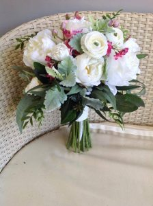 peony bouquet with pink