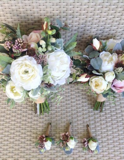 dusky pink and white bouquet