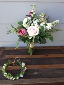 Unstructured bouquet faux flowers