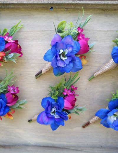 blue bright buttonholes